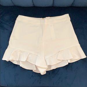 Zara White Ruffle Shorts - M